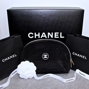 NEW CHANEL VIP Gift Black Cosmetic/Make Up Pouch